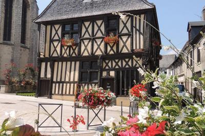 Les Maisons À Pan De Bois à Aubigny sur Nere