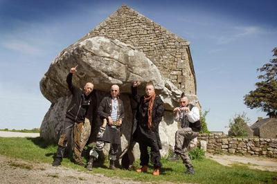 Les Ramoneurs De Menhirs + Guest à Aurec sur Loire