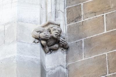 Les Sculptures De L'église à Orléans