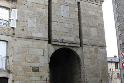 Les Tours Et Portes De L'enceinte Dinannaise - La Porte Saint-louis