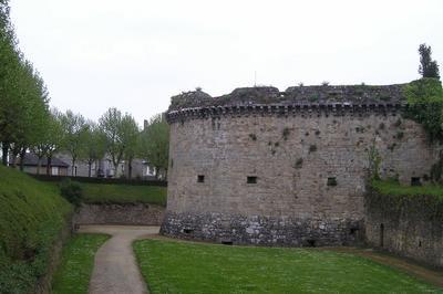 Les Tours Et Portes De L'enceinte Dinannaise - La Tour Beaumanoir