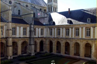 Livret-jeu Du Musée Saint-remi à Reims