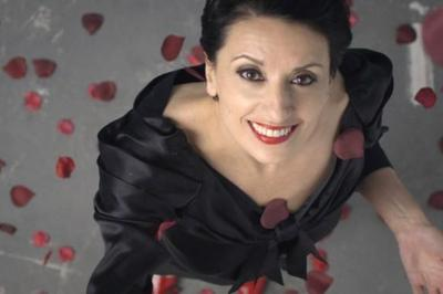 Luz Casal Chante Dalida à Le Mans