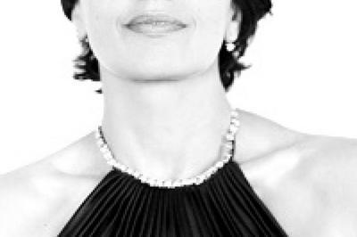 Luz Casal Chante Dalida à Enghien les Bains
