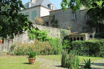 Maison Boutin Et Ses Jardins à L'italienne à Clisson