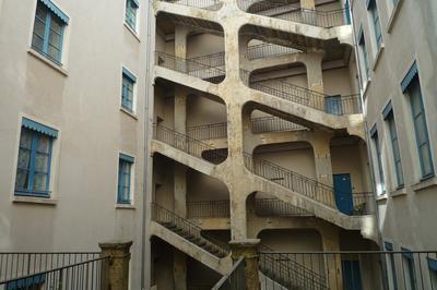 Maison des Canuts et traboules sur la Résistance à Lyon
