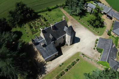 Manoir Médieval - Point De Défense Historique Du Château De Durtal