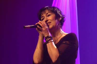 Martine chante barbara à Saint Etienne