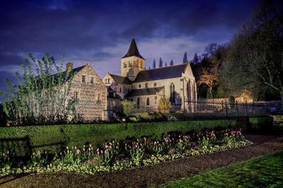 Mise En Lumière De L'abbaye De Graville Et Ses Jardins à Le Havre