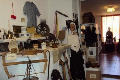 Musée Du Costume & Des Métiers D'antan à Veynes