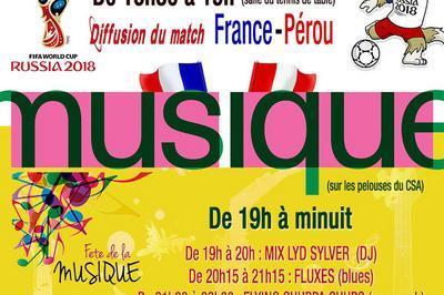 Musique Sur La Pelouse Du Centre Sportif Et Associatif à Jouy en Josas