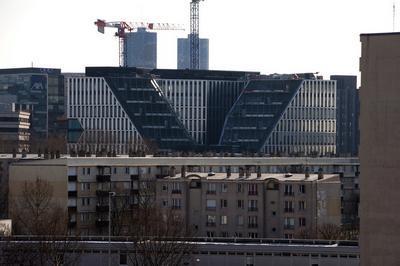 Nanterre : Se Défendre De La Défense ? Urbanismes D'état Et Luttes De Territoires.