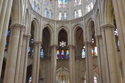 Découvrir : Notre Dame La Surprenante à Cholet