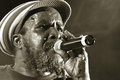 Pablo Moses, Sir Jean & Afrobeat Ex à Sauveterre de Rouergue