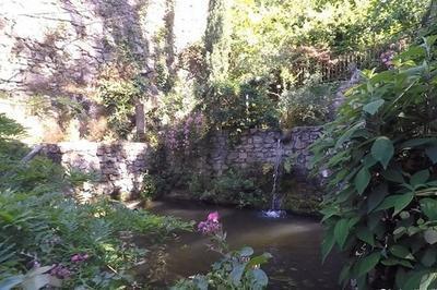 Pause Au Jardin D'eden : Un Bain De Jouvence Dans Un Site Historique à Tournon sur Rhone