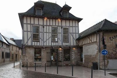 Petites Histoires Des Sites Remarquables Du Quartier Cathédrale : Visite Flash à Troyes