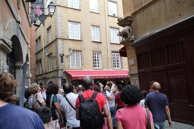 Plongée Dans La Ville. à Lyon