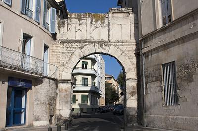 Porte De France à Nimes