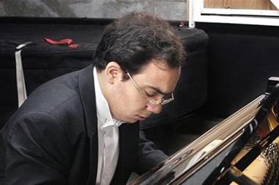 Récital du pianiste Jean Dubé au Prieuré de Mayanne, Dangeul
