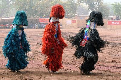 Regards sur les masques de Dédougou à Mordelles