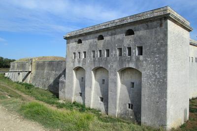 Remontez Le Temps Au XIXe Siècle à La Découverte De L'histoire Du Fort ! à Port des Barques