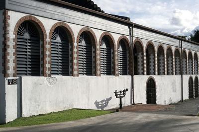Secrets De Fabrication Du Rhum Hse Et Ses Vieux Chais, Visite Du Jardin à Gros Morne