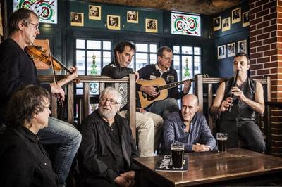 Soirée irlandaise avec Inishowen (folk-rock festif) à Villeneuve de Marc