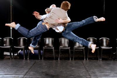 Chute (Cirque Acrobatique) à Combs la Ville