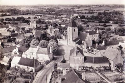 Spectacle Théâtral Déambulatoire, Lézigné, Un Village Pendant La Grande Guerre à Lezigne