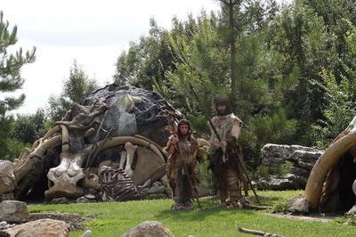 Sur Les Traces De L'homme De Neandertal : Découverte Du Paléosite De Saint-césaire ! à Saint Cesaire