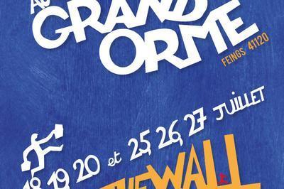 Théâtre sans frontières au Grand Orme par la Compagnie du Hasard à Feings