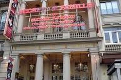 Adrien En Angleterre à Paris 2ème