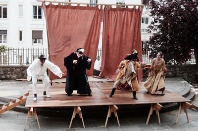 Théâtre-école de commedia dell'arte contemporain à Montreuil
