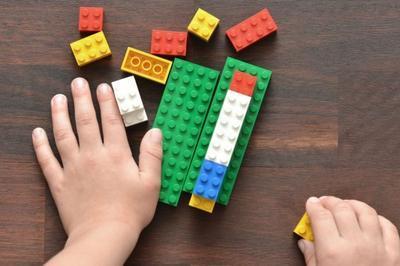 Ton Monde Ferroviaire En Briques Lego® ! à Saint Ouen