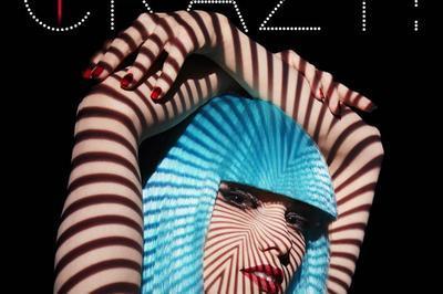 Totally Crazy! - Revue & Champagne à Paris 8ème