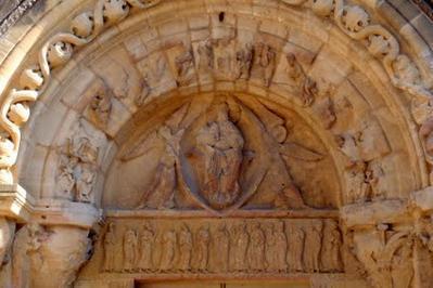 Les tympans romans des églises du Brionnais à Ambierle
