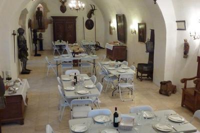 Un Buffet À Volonté Pour Les Journées Du Patrimoine à Saint Projet