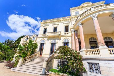 Villa Rothschild / Médiatheque Noailles à Cannes