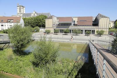 Visite Architecturale Du Campus Universitaire Des Comtes De Champagne à Troyes