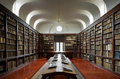 Visite Commentée De La Bibliothèque Patrimoniale Du Cci à Paris 5ème