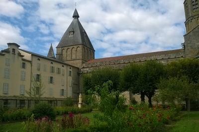 Visite Commentée Des Jardins De La Congrégation Des Soeurs Des Prisons à Le Dorat