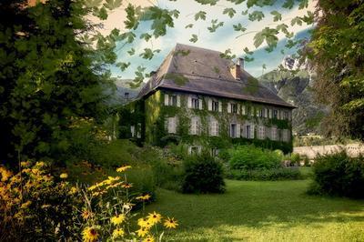 Visite Commentée Du Château Des Allues. à Saint Pierre d'Albigny