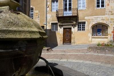 Visite Commentée : Les Hôtels Nobles De La Cité Médiévale à Montlucon