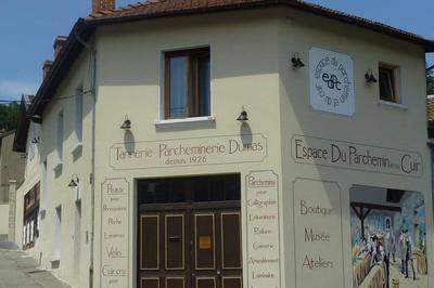 Visite D'une Entreprise Du Patrimoine Vivant Au Travers De Son Espace Muséal. à Annonay