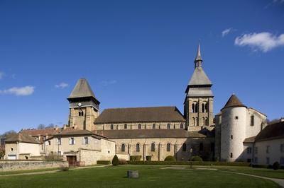Visite De L'abbatiale Sainte-valérie à Chambon sur Voueize