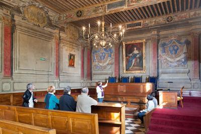 Visite De L'ancien Parlement De Dombes à Trevoux