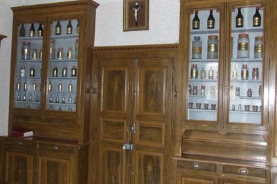 Visite De L'apothicairerie Et Des Chapelles Hospitalières à Pontarlier