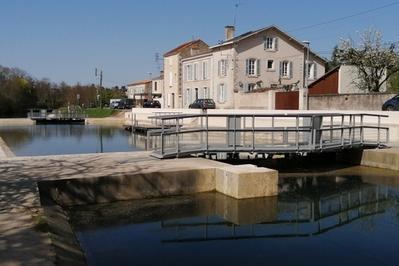 Visite De L'écluse De Comporté à Niort