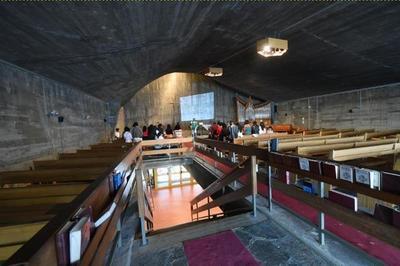 Visite De L'église Protestante Unie à Clermont Ferrand
