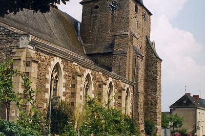 Visite De L'église Saint-martin De Bazouges à Chateau Gontier